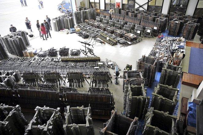 POLICÍA DECOMISÓ ENERO 10.000 ARMAS DE GUERRA EN BIZKAIA, GIRONA Y CANTABRIA